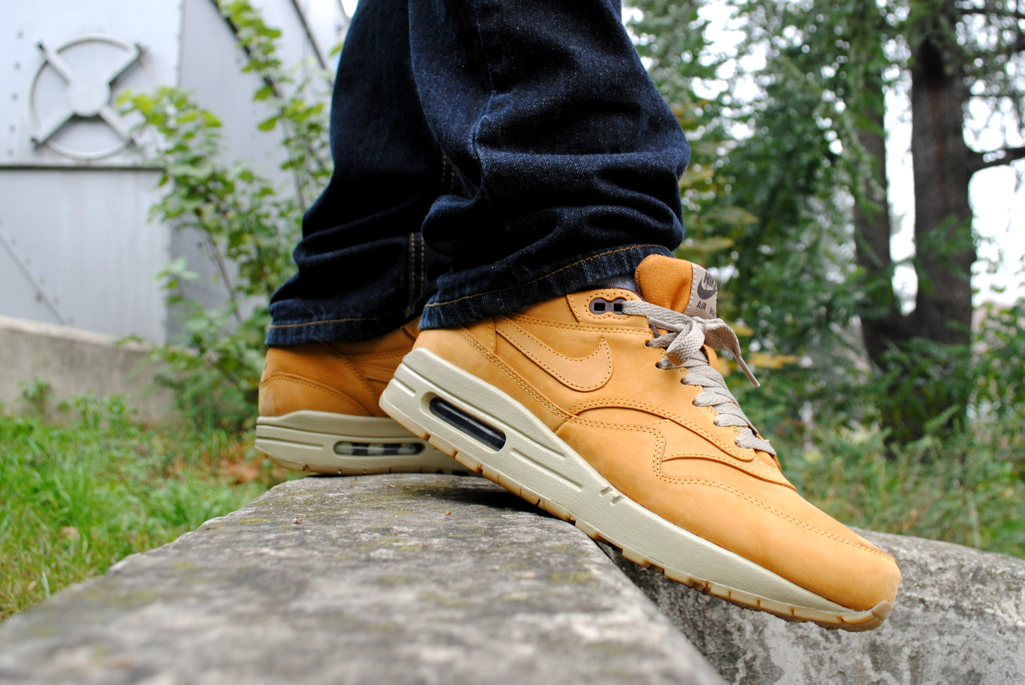 nike air max 1 wheat pack buzz online shop. Black Bedroom Furniture Sets. Home Design Ideas