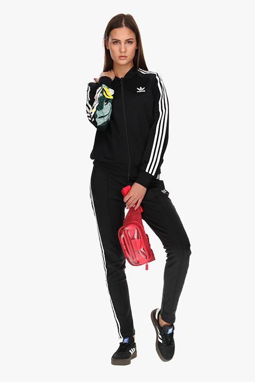 Stilska adidas kombinacija