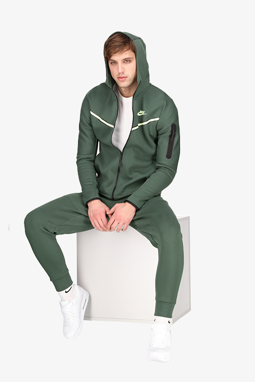 <center><b>Green Nike perfection</center></b>