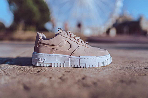 PICTURE ME ROLLIN IN NIKE AIR FORCE 1 PIXEL