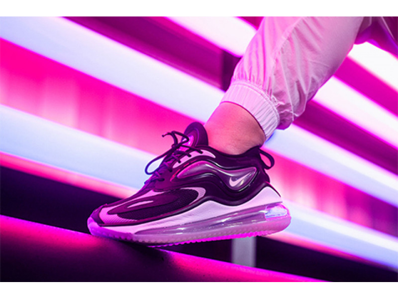 TYPICALLY, ATYPICAL IN AIR MAX ZEPHYR