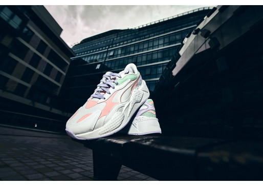 STORM IN NEW PUMA SNEAKERS